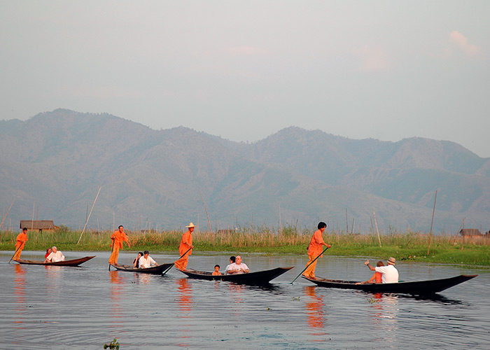 Traditional Inthar Canoe Service